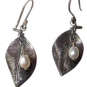 Vintage silpada pearl leaf earrings
